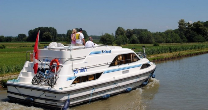 Hire Canal boat with or without skipper Clipper Saint-Jean-de-Losne