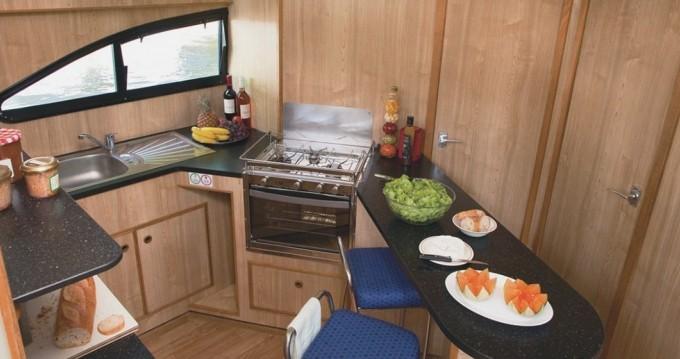 Rental yacht Messac - Connoisseur Magnifique  on SamBoat