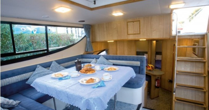 Canal boat for rent Messac at the best price