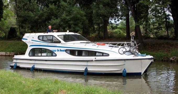 Boat rental Caprice Caprice in Douelle on Samboat