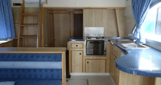 Canal boat for rent Douelle at the best price