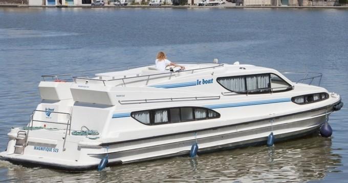 Rental yacht Le Mas-d'Agenais - Connoisseur Magnifique  on SamBoat