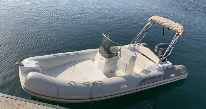 Boat rental Capelli Tempest 570 Luxe in Marseille on Samboat