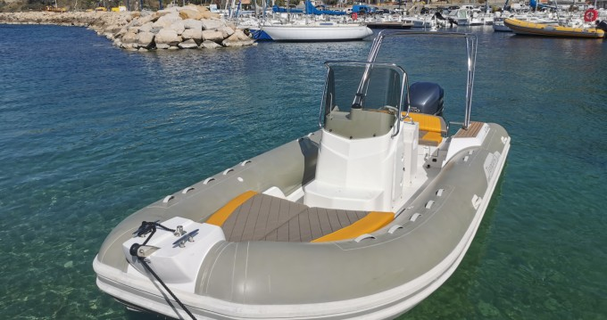 Rental yacht Saint-Cyr-sur-Mer - Capelli Tempest 690 Luxe on SamBoat