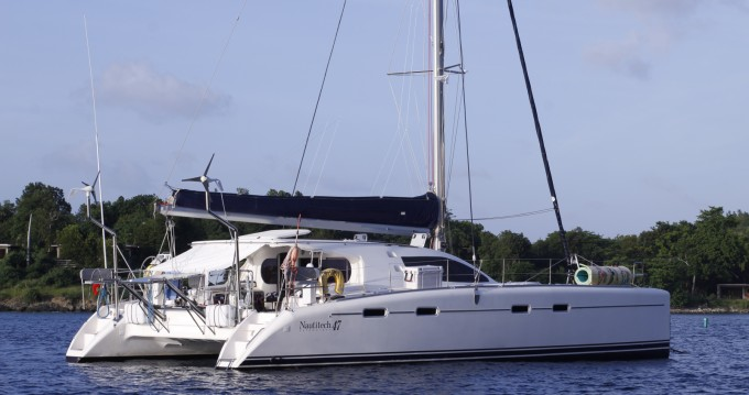 Hire Catamaran with or without skipper Nautitech Baie de Marigot