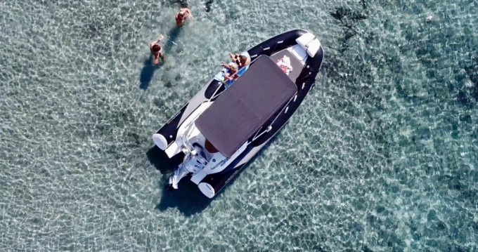 Grand Boats Golden Line G500LF between personal and professional La Londe-les-Maures