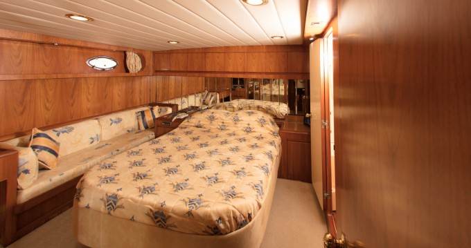 Yacht for rent Mykonos (Island) at the best price