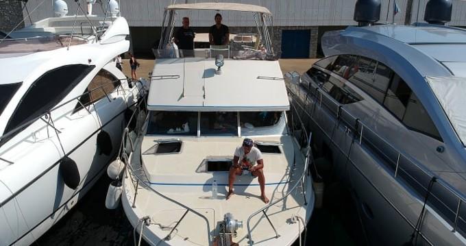 Rental Motorboat in Mykonos (Island) - Bayliner Bodega 43
