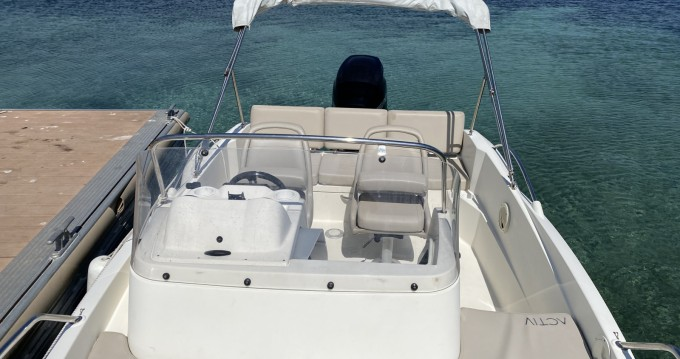 Quicksilver Activ 605 Sundeck between personal and professional Vallauris