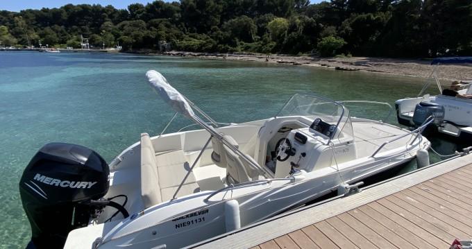 Boat rental Quicksilver Activ 605 Sundeck in Vallauris on Samboat