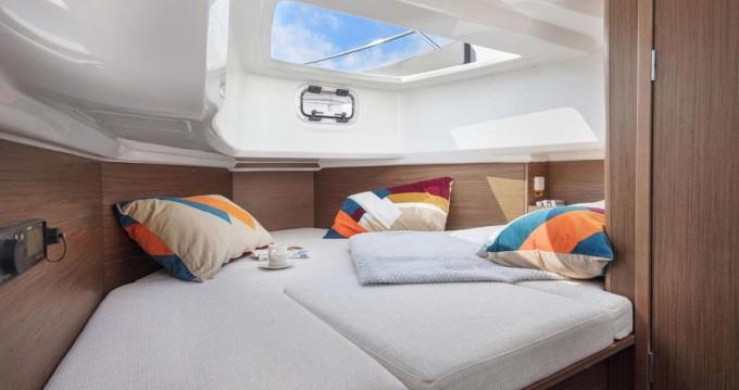 Rental yacht Formentera - Jeanneau Cap Camarat 9.0 CC on SamBoat