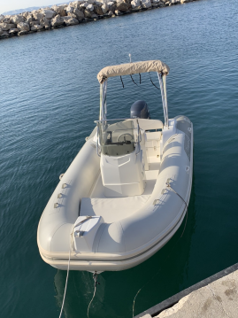 Rent a Capelli Tempest 570 Luxe Marseille