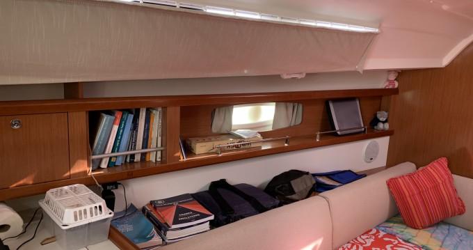 Boat rental Port-Haliguen cheap Oceanis 34