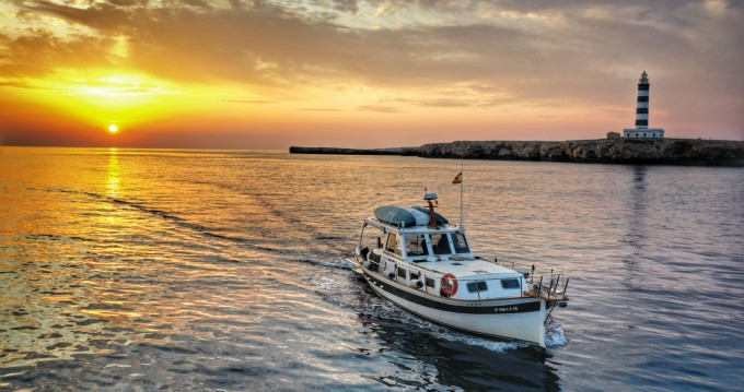 Boat rental Mahón cheap 58