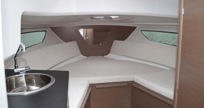 Rental yacht Port-Haliguen - Jeanneau Cap Camarat 7.5 WA Serie 2 on SamBoat