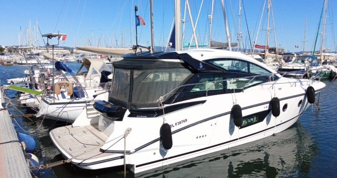 Motorboat for rent Hyères at the best price