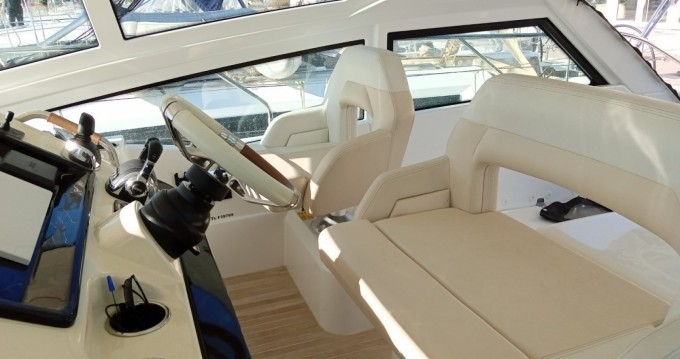 Rental yacht Hyères - Bénéteau Gran Turismo 40 on SamBoat