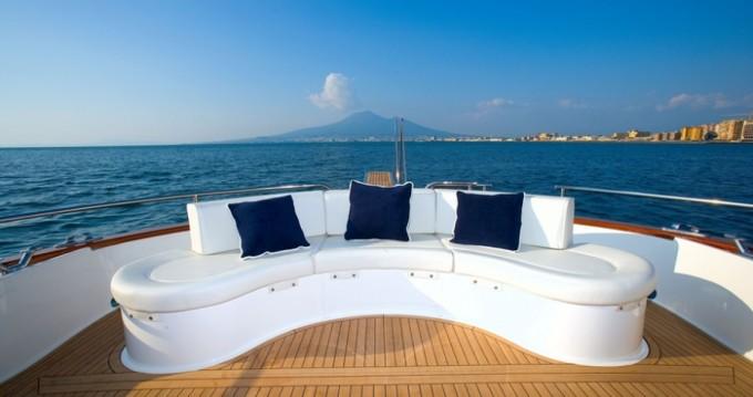Boat rental San Vincenzo cheap Apreamare 48