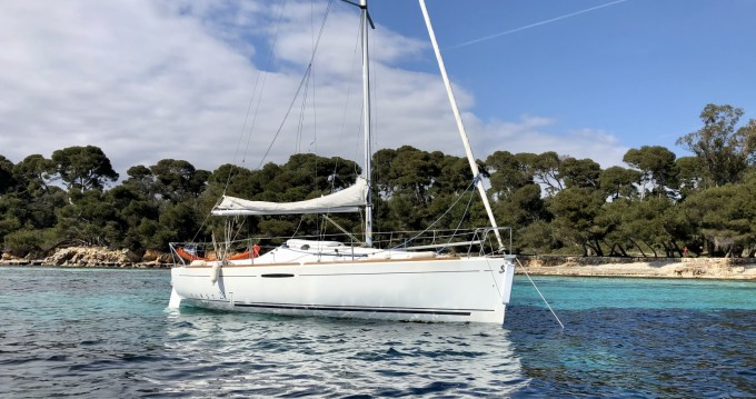 Rental Sailboat in Cannes - Bénéteau First 21.7