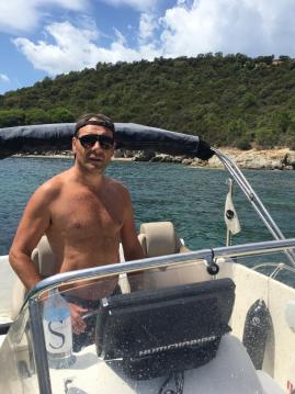 Motorboat for rent Sari-Solenzara at the best price