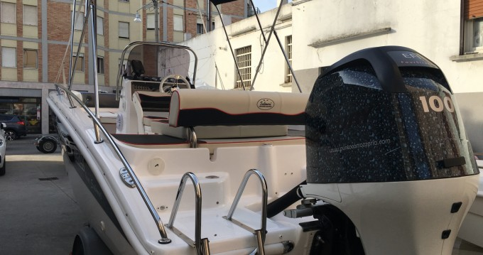 Motorboat for rent Venezia at the best price
