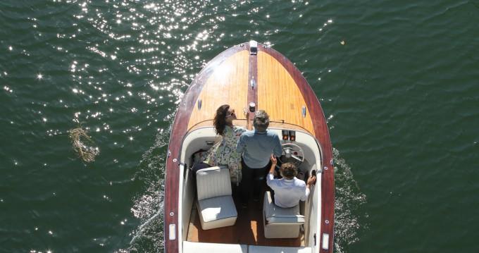 Rental Motorboat in Paris - F.Lli Astolfo Snc
