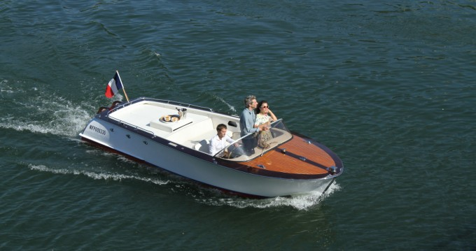 Rental Motorboat F.Lli Astolfo with a permit