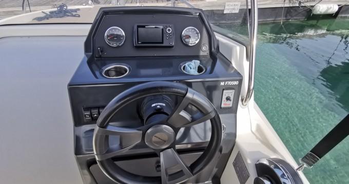 Rental Motorboat in Cannes - Quicksilver Activ 605 Open