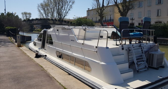 Rental Canal boat nautilia with a permit