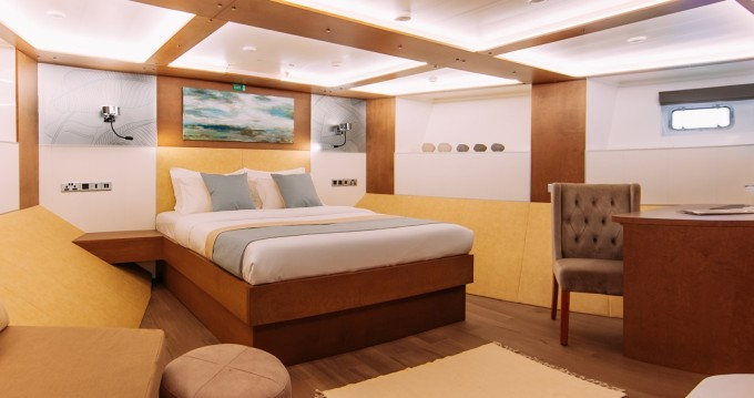 Hire Yacht with or without skipper Custom Made Malé