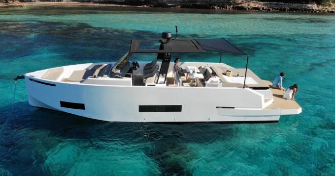 Boat rental Saint-Jean-Cap-Ferrat cheap D42