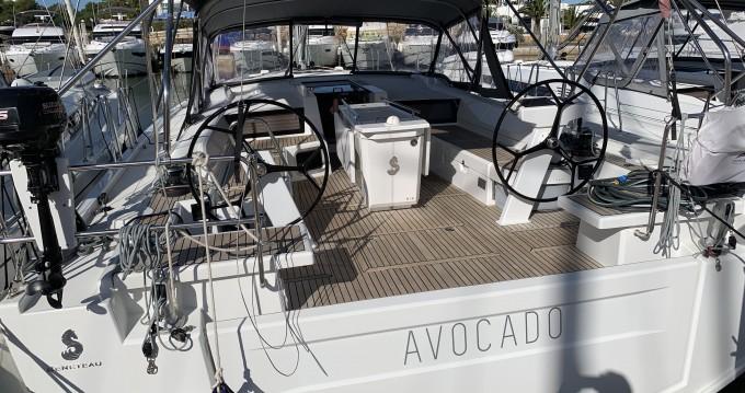 Boat rental Bénéteau Oceanis 51.1 in Cala d'Or on Samboat