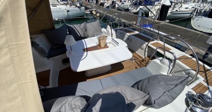 Rental Sailboat in Valencia - Bénéteau Oceanis 46