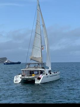 Rental Catamaran in Puerto Deportivo Marina de Santander - Lagoon Lagoon 450 F