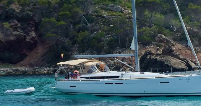 Sailboat for rent Port de Torredembarra at the best price