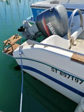 Boat rental Jeanneau Cap Camarat 615 in Palavas-les-Flots on Samboat
