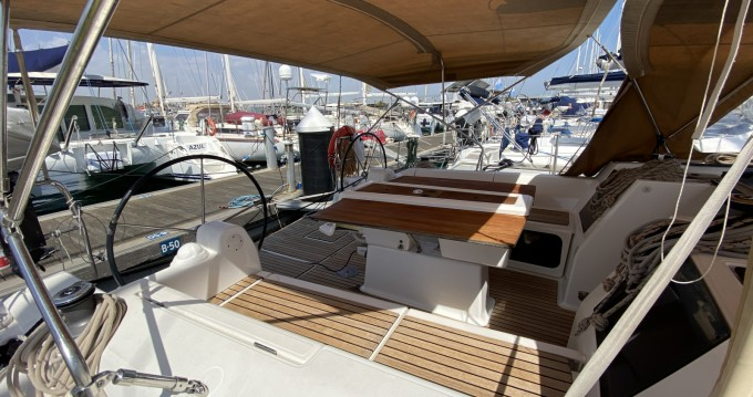 Boat rental Dufour Dufour 410 Grand Large in Valencia on Samboat