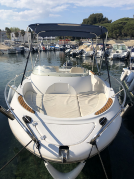 Hire Motorboat with or without skipper Jeanneau La Ciotat