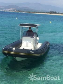 Boat rental Bombard Explorer 730 DB in Pointe-Rouge on Samboat