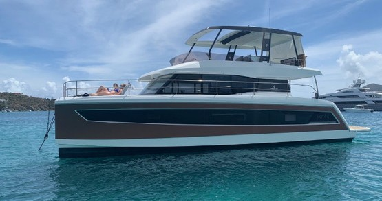 Motorboat for rent Tortola at the best price