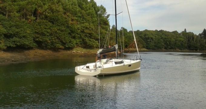Boat rental La Rochelle cheap Pogo 36