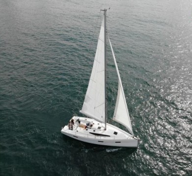Hire Sailboat with or without skipper Viko-Yachts Primošten