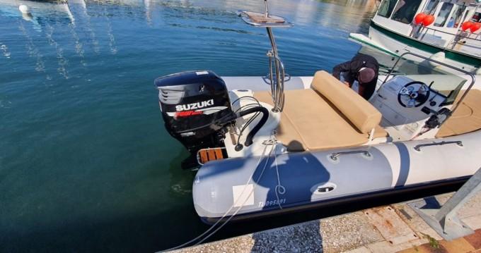 Boat rental Zodiac Medline II Serie Limitee in Port de Hyères (St Pierre) on Samboat