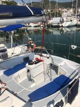 Rental yacht Sitges - Hunter LEGEND 29.5 on SamBoat