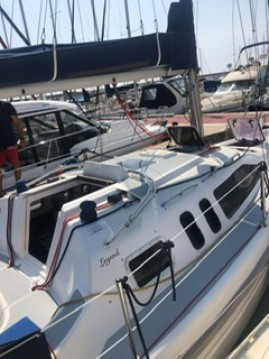 Rental yacht Sitges - Hunter LEGEND 29.5 on SamBoat
