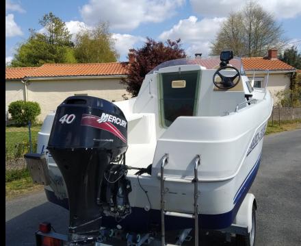 Rental Motorboat in Nantes - Quicksilver Quicksilver 435 Cabine