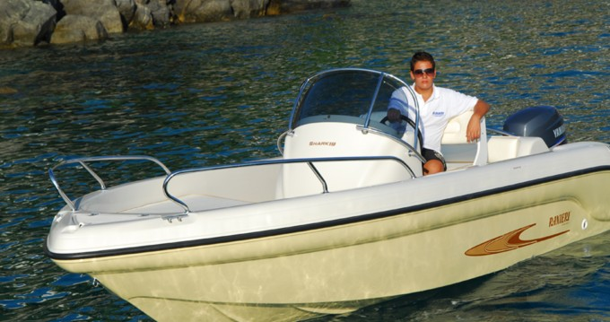 Rental Motorboat in Lignano Sabbiadoro - Ranieri Shark 19