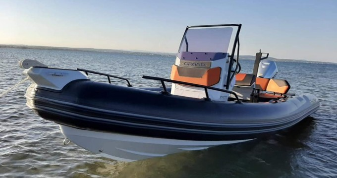 Rent a Grand Boats Drive D600 Lux Mèze