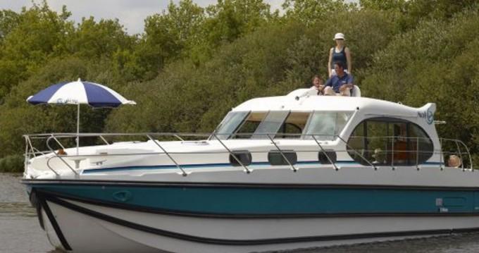 Boat rental Bellegarde cheap Estivale Sixto Prestige C