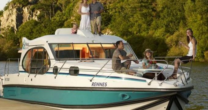 Rental Motorboat in Bellegarde -  Estivale Quattro S